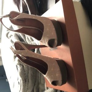 Missoni 5 inch heel.    Platform style.